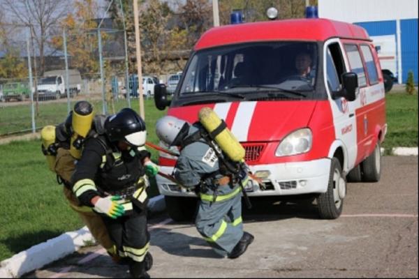 В Адыгее впервые провели соревнования по пожарному кроссфиту