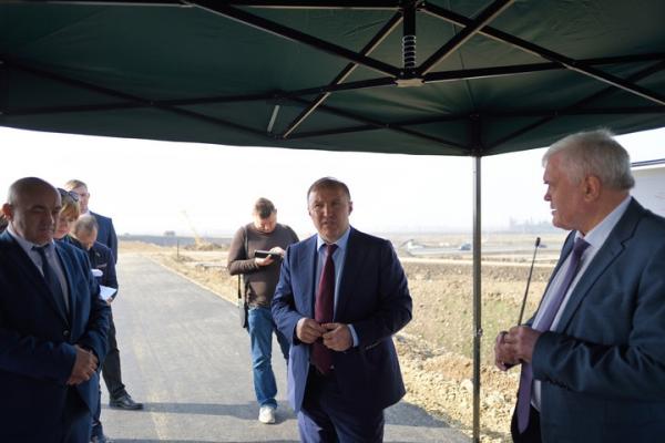 Глава Адыгеи проинспектировал строительство развязки в Майкопе