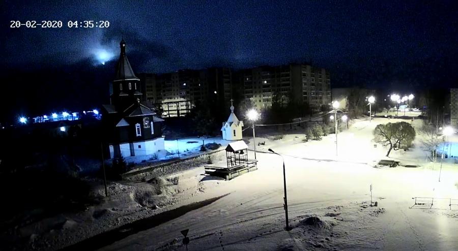Камеры сняли видео с метеоритом в небе над Карелией