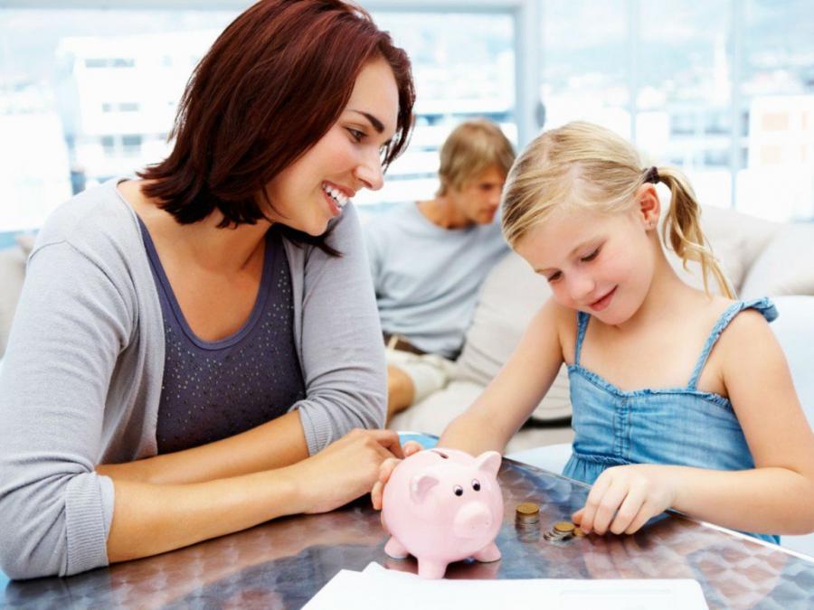 Выплаты детям в размере 10 тысяч рублей: а хватит денег на всех?
