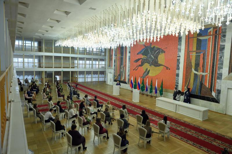 В Адыгее чествовали победителей и призеров республиканских конкурсов в сфере образования