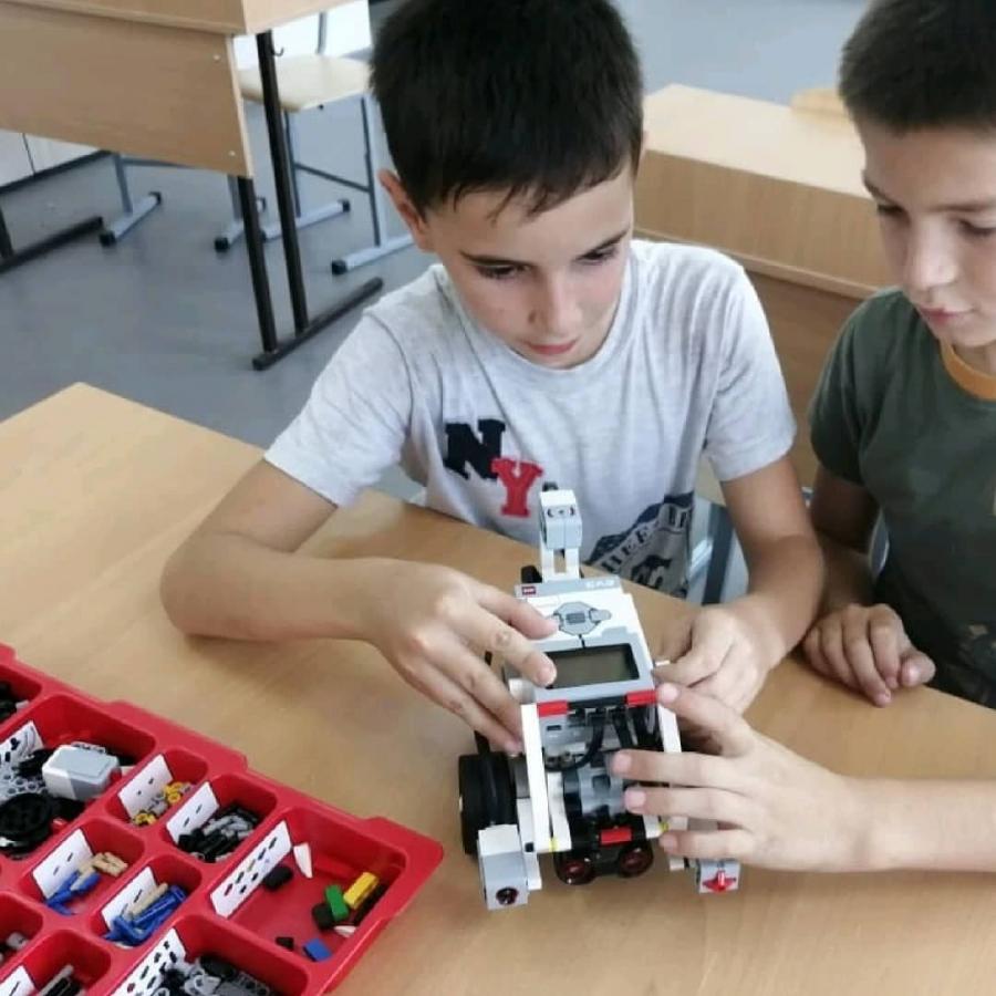 В четырех школах Шовгеновского района Адыгеи созданы кружки для дополнительного образования детей